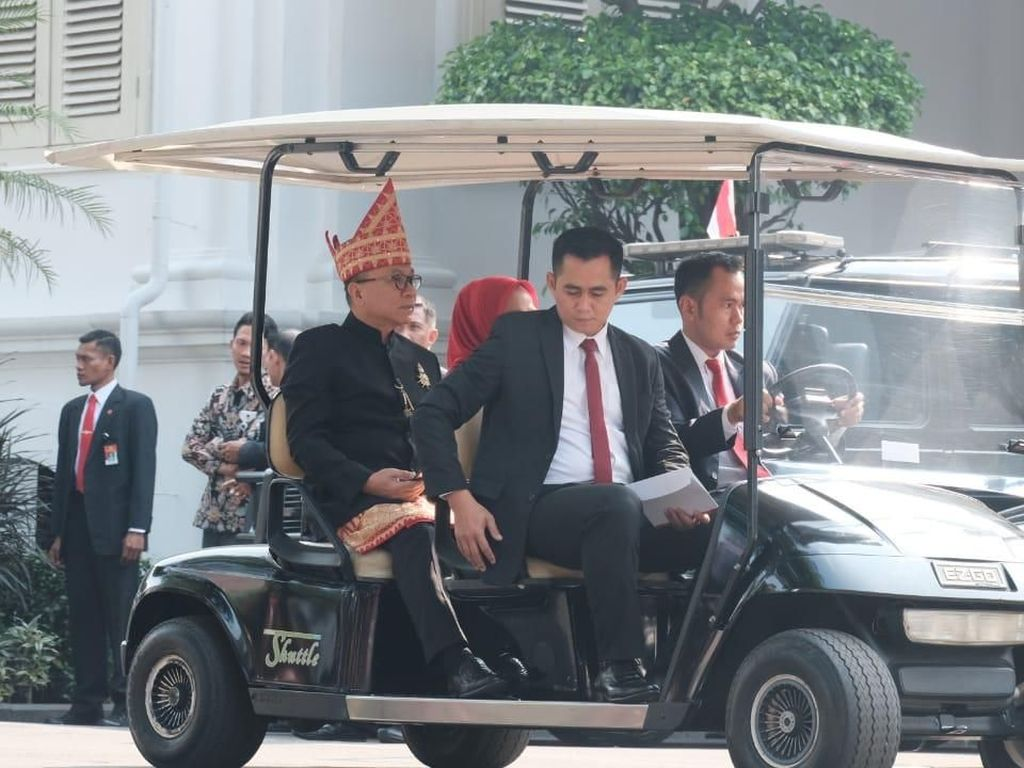 Salam Jokowi untuk Zulkifli Hasan