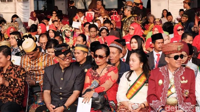 Semarak Busana Tradisional Meriahkan HUT ke-73 RI di Istana