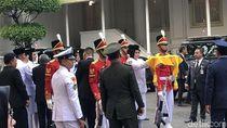 Zanati, Gadis Sumsel Diamanahkan Serahkan Bendera Pusaka ke Jokowi