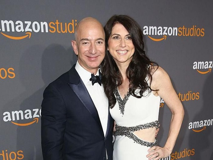 Jeff Bezos dan MacKenzie. Foto: Dok. Getty Images, Vogue