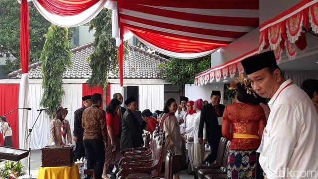 Titiek Soeharto tiba di Universitas Bung Karno