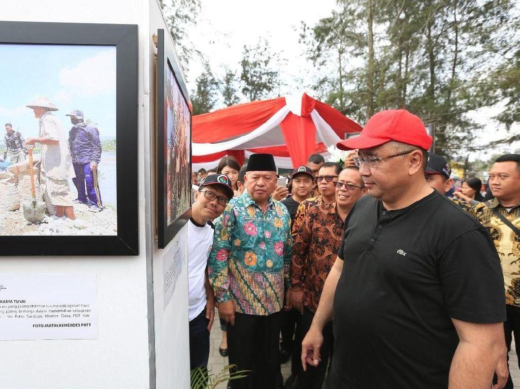 Karya Pemenang Lomba Foto Desa 2018 Dipamerkan di Pantai Panjang