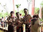 Peringati HUT RI ke-73, Generasi Muda Tanam 800 Mangrove di PIK