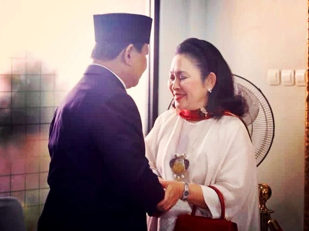 Momen Kemesraan Prabowo-Titiek saat Bertemu Jelang Upacara HUT RI