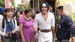 Gaya Wiro Sableng saat Ikut Lomba Makan Kerupuk Rayakan HUT RI ke-73