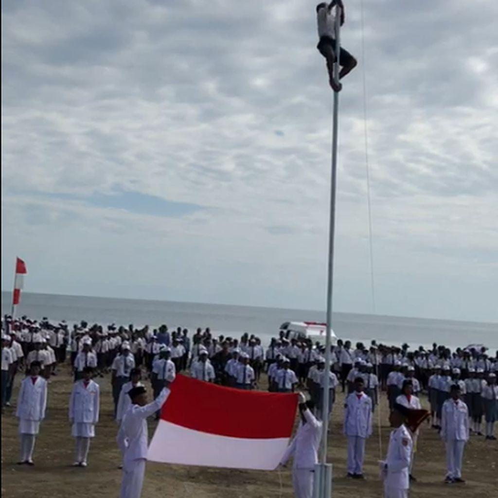 Cerita Heroik Joni di Perbatasan RI-Timor Leste Panjat Tiang Bendera