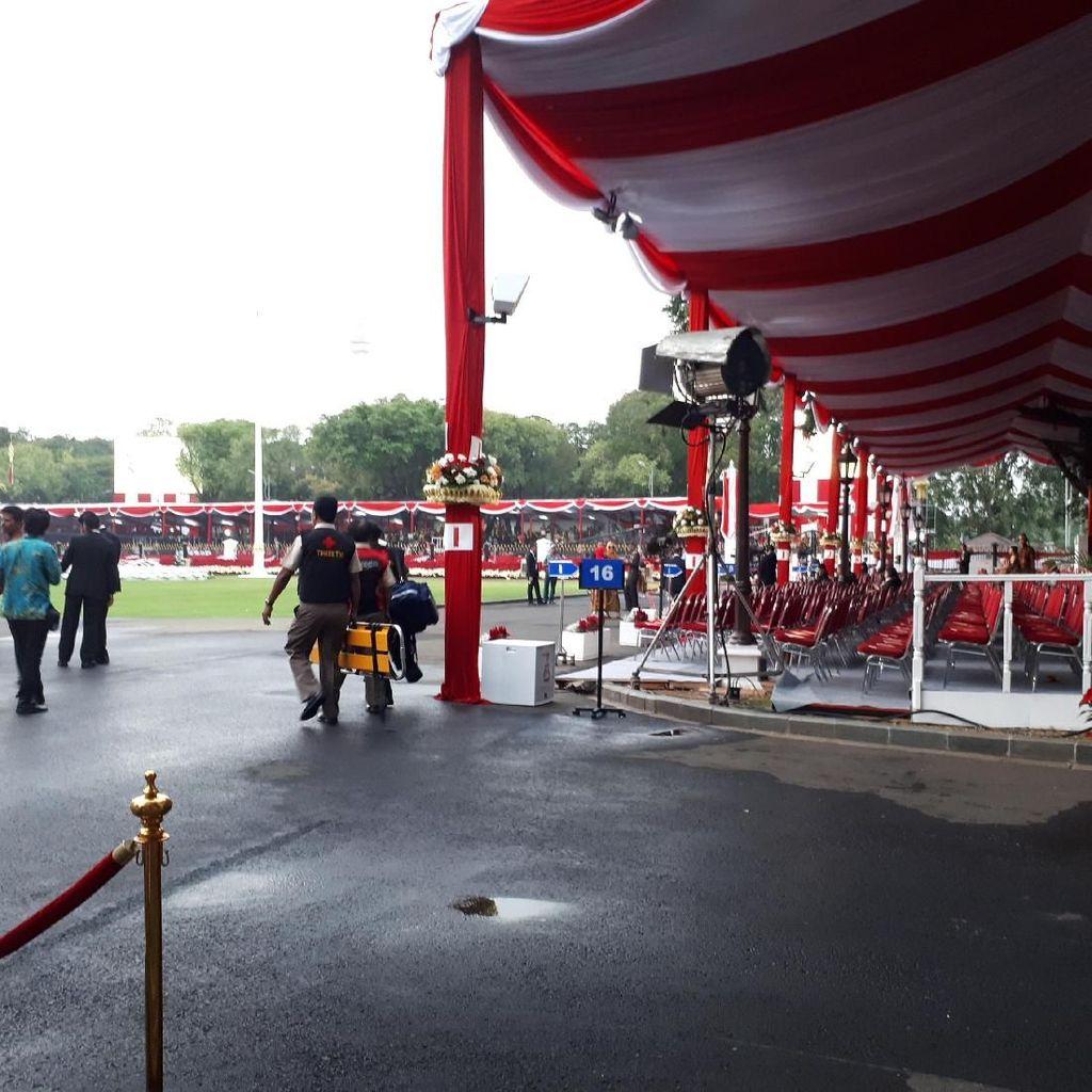 Begini Suasana Jelang Upacara Bendera di Istana