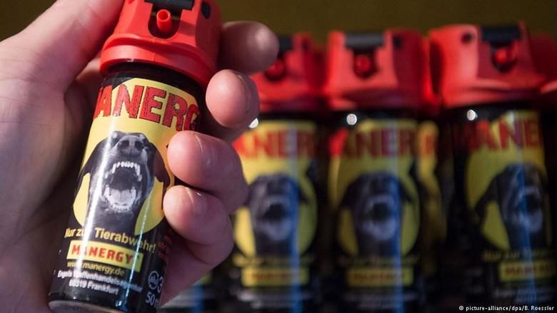 Hasil Potongan Buruk, Penata Rambut di Jerman Diserang Cairan Merica