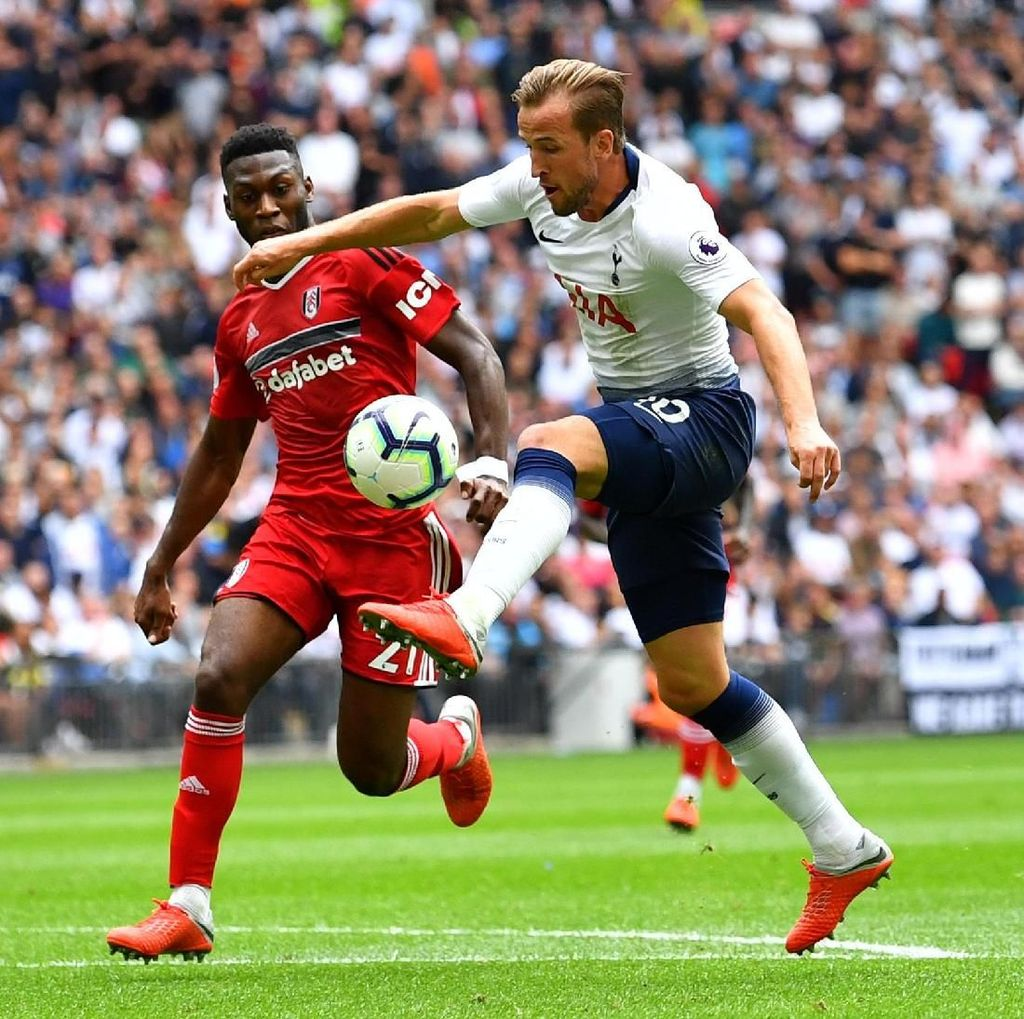 Harry Kane Bikin Gol, Spurs Kalahkan Fulham