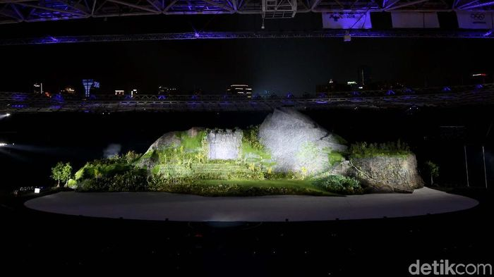 Suasana dalam GBK saat pembukaan Asian Games 2018 (Foto: Agung Pambudhy)