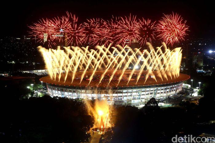 Begini penampakan pesta kembang api saat seremoni pembukaan Asian Games di GBK, Jakarta, Sabtu (18/8/2018).