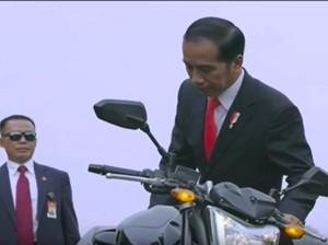 Aksi Jokowi di Pembukaan Asian Games 2018 Tetap Keren Buat Nikita Mirzani