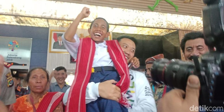 Joni Pemanjat Tiang Bendera Diterima Jokowi di Istana Senin