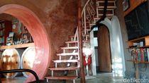 Selain Cantik, Rumah Tahi Sapi Juga Disebut Berkawan dengan Gempa