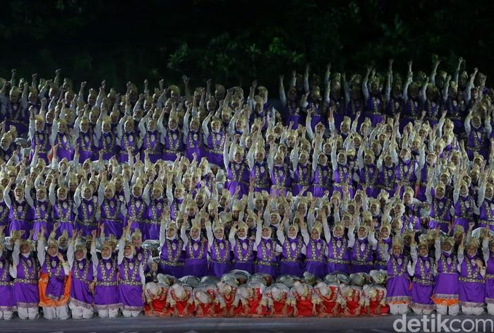Seremoni pembukaan Asian Games 2018 berlangsung meriah. Budaya nasional Indonesia yakni Tari Saman diangkat untuk diperkenalkan kepada Dunia.