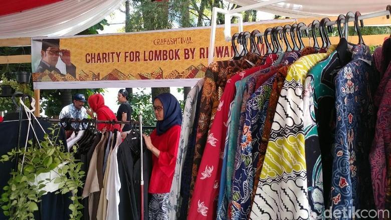 Ridwan Kamil Lelang Pakaian untuk Korban Gempa Lombok