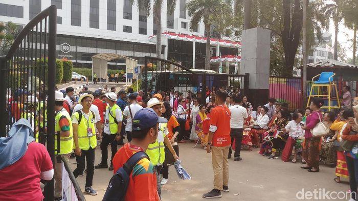 Jelang dibukanya gate GBK sebelum acara Pembukaan Asian Games 2018 (Foto: Yanu Arifin/detikSport)