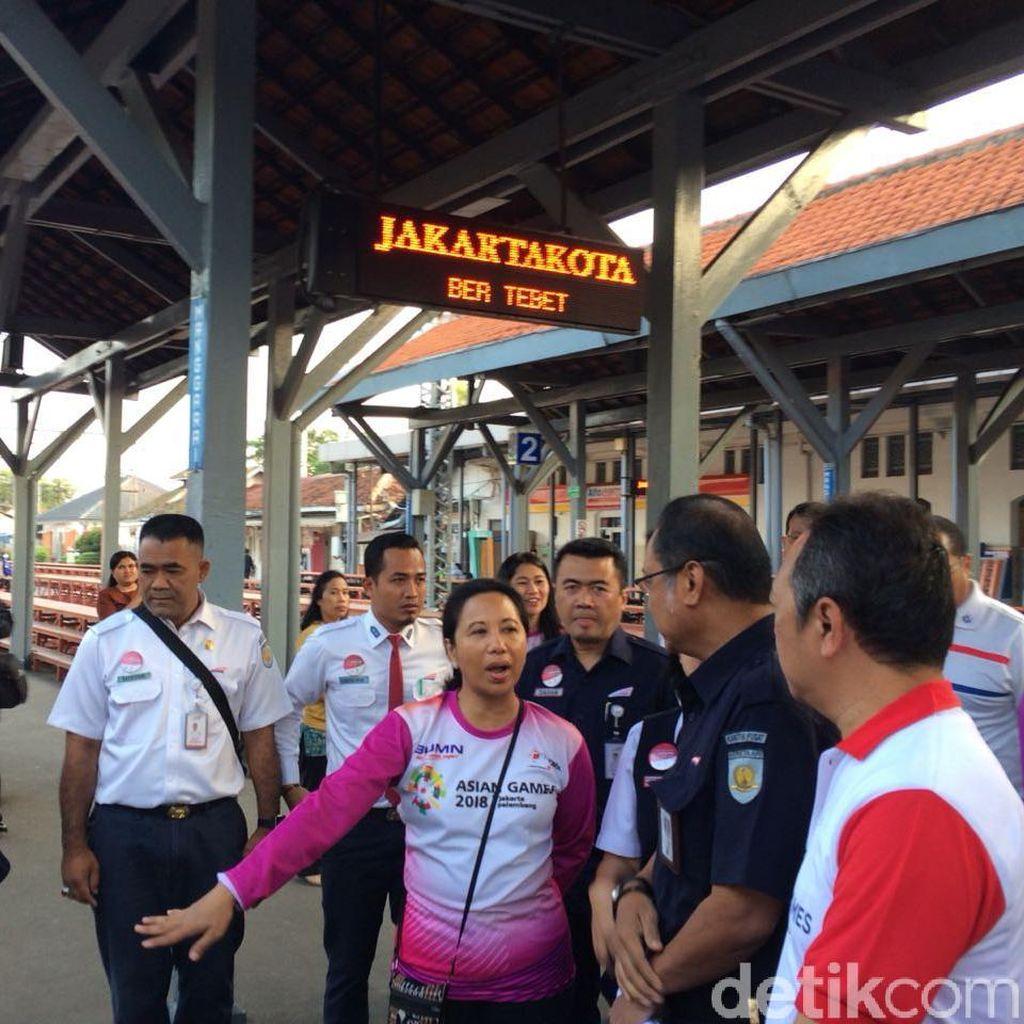 Rini Mau Jalur KRL Jakarta-Bogor Bersih dari Sampah dan Tenda PKL