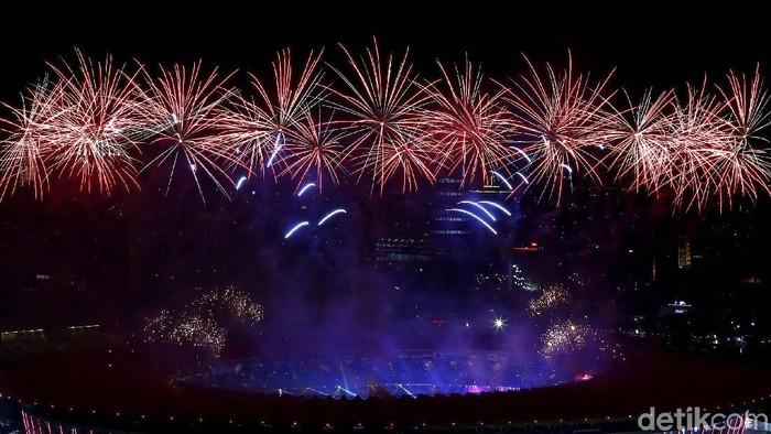 Pembukaan seremoni Asian Games 2018 semakin meriah dengan pesta kembang api. Penasaran? Yuk, intip foto-fotonya.