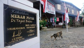 Melongok Rumah 'Dua Muka' di Perbatasan Indonesia Malaysia