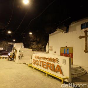 Masjid dan Gereja Hidup Berdampingan di Perut Bumi Papua