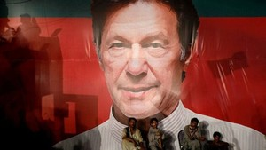 Imran Khan, Dari Playboy Jadi Politikus dan PM Pakistan