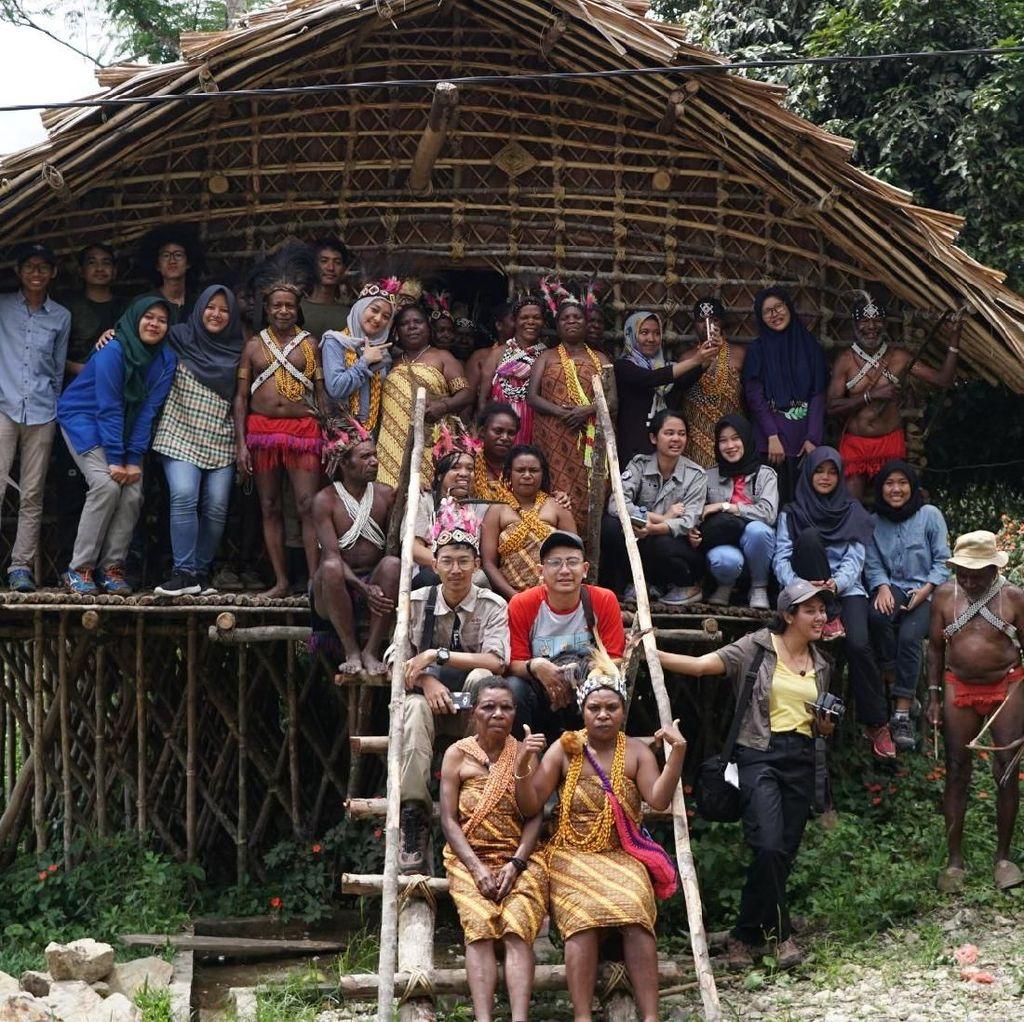 Melihat Cara Suku Arfak di Pedalaman Papua Barat Sambut Pendatang