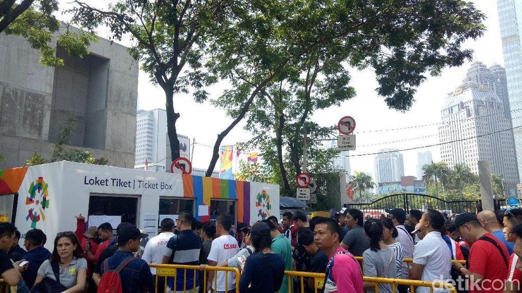Penonton Asian Games Bingung Dapat Tiket Ditulis Tangan