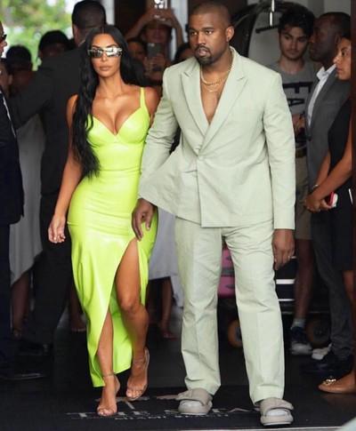 Kim Kardashian dan Kanye West. Foto: Instagram
