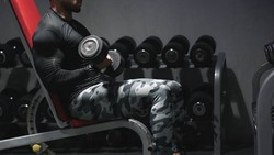 Maruli Tampubolon mencuri perhatian dalam acara pembukaan Asian Games 2018. Telanjang dada pamerkan otot kekar, ia berperan sebagai Gajah Mada.