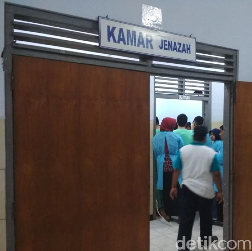 Polisi Selidiki Kasus Siswi SMA Melahirkan di Kamar Mandi