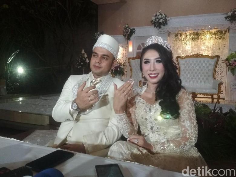 Foto: Rio Reifan dan Henny menikah / Hanif Hawari