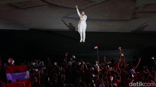 Aksi Via Vallen di Seremoni Pembukaan Asian Games