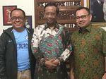 Ajakan Pindah Klub di Balik Pertemuan Mahfud Md-Sudirman Said