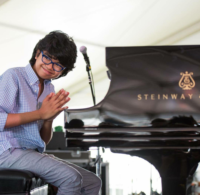 lebih dekat dengan pianis prodigy joey alexander