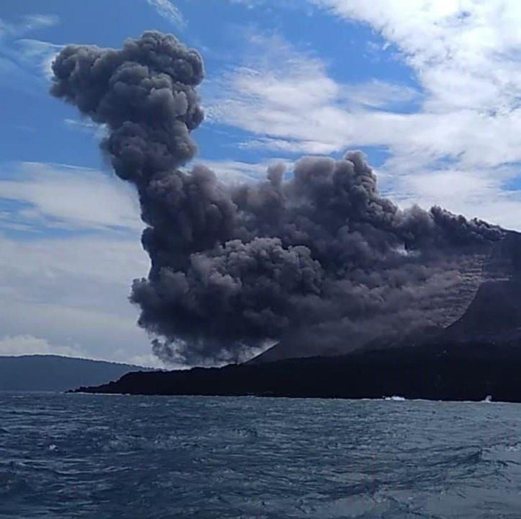 Dentuman Erupsi Anak Krakatau Terdengar hingga Anyer