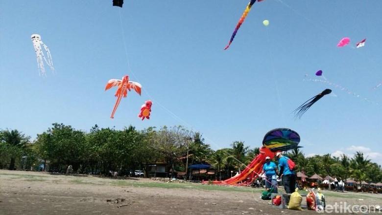 Foto: Festival layang-layang di Makassar (Ibnu Munsir/detikTravel)