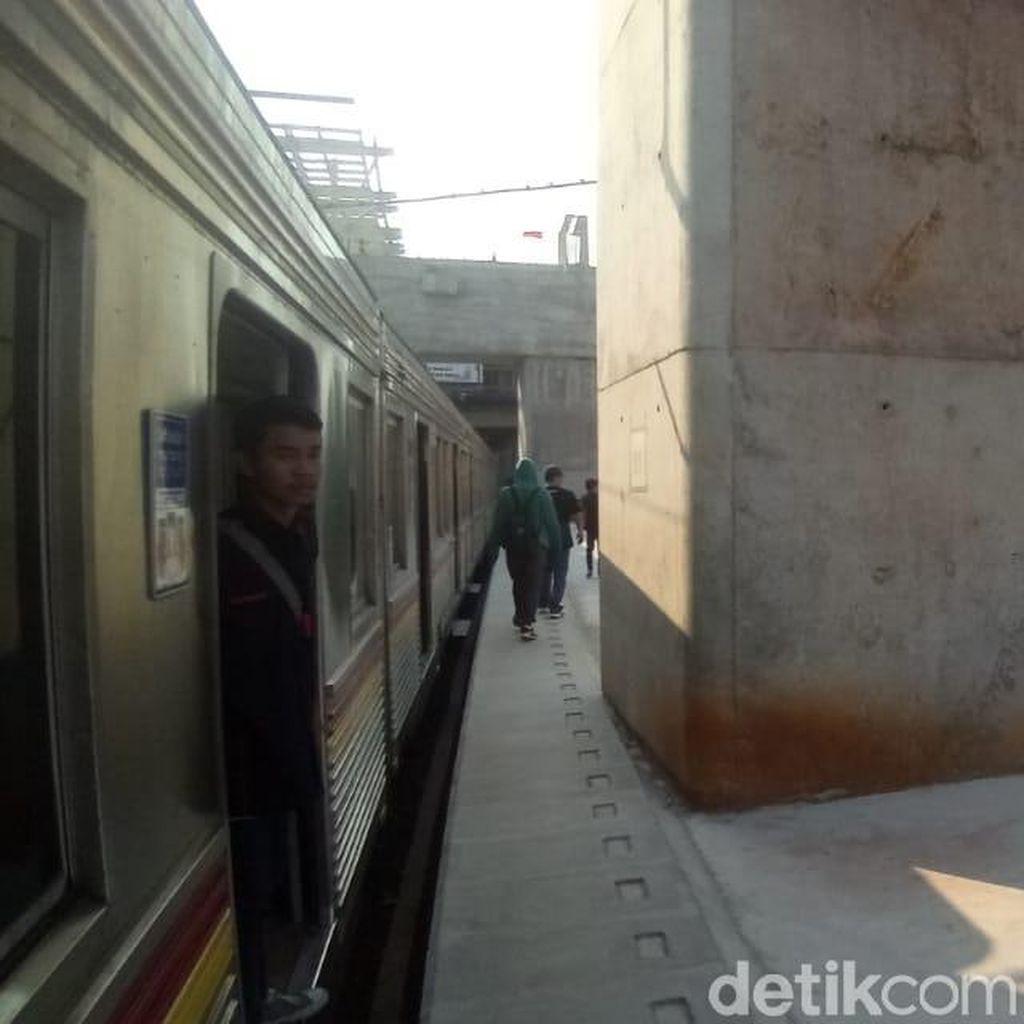 Soal Tiang Beton di Stasiun Manggarai, Kemenhub Akan Perlebar Peron