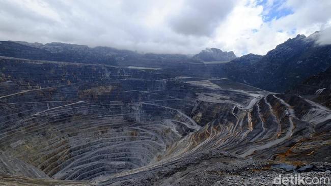 Tambang Grasberg di Papua. Foto: Ardhi Suryadhi