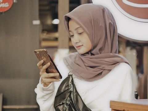 Youtuber Linda Kayhz berbagi tips hijab anti letoy.