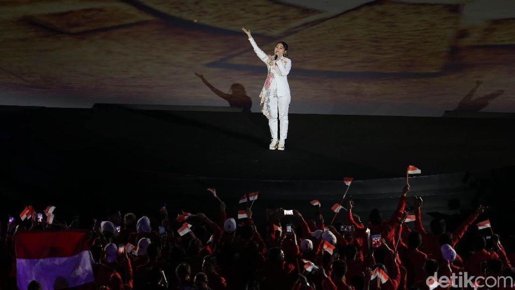 Via Vallen Seru-seruan Bareng Raisa dan Rossa Sebelum Opening Asian Games