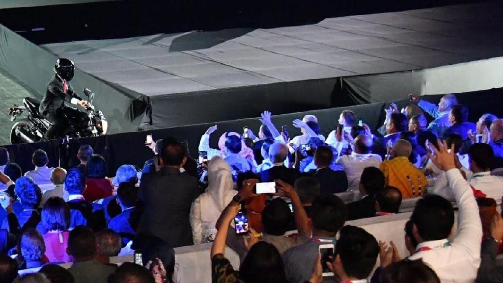 Elite PD Soroti Stuntman, Relawan Jokowi Singgung Ratu Elizabeth