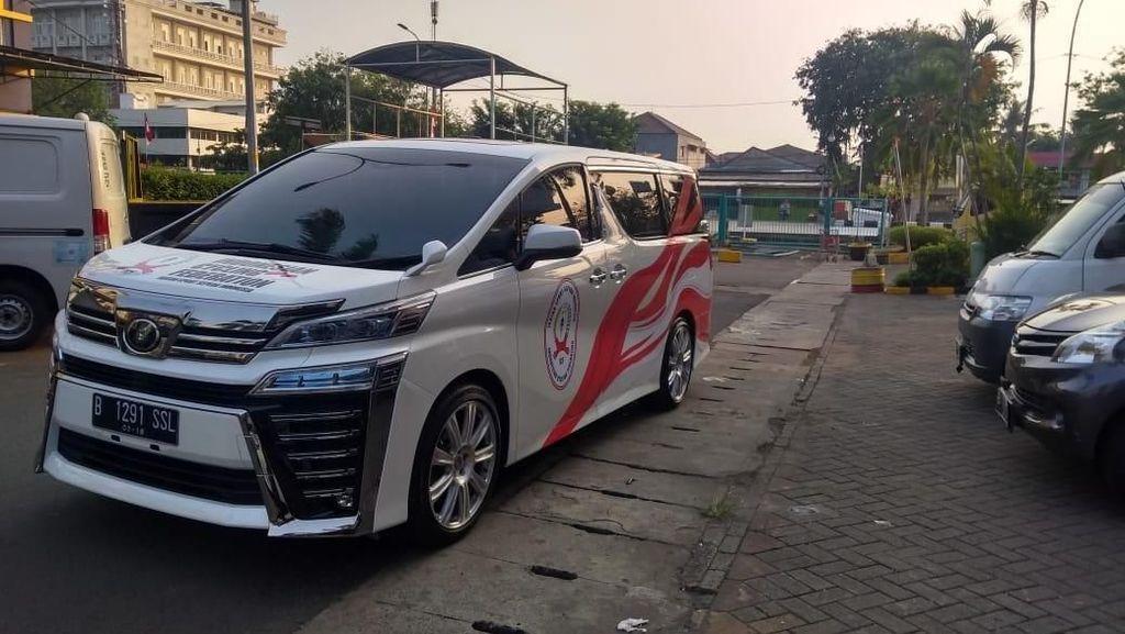 Mobil Mewah Berkelir Merah Putih Ramaikan Asian Games 2018