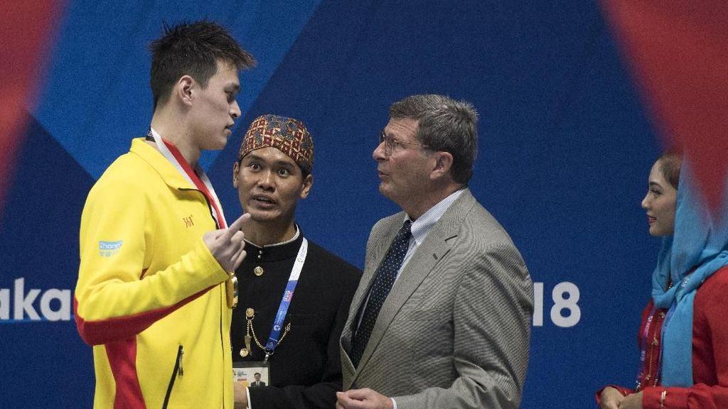 Ekspresi Atlet China Saat Bendera Negaranya Jatuh di Asian Games