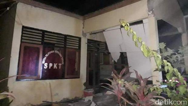 Polsek Alas Sumbawa Ambruk Diguncang Gempa 7,0 SR