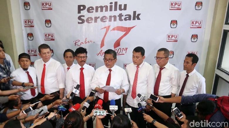 Gaya Necis Timses Jokowi-Maruf Datangi KPU