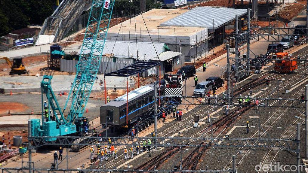MRT Jakarta Uji Sinyal dari Lebak Bulus hingga Bundaran HI
