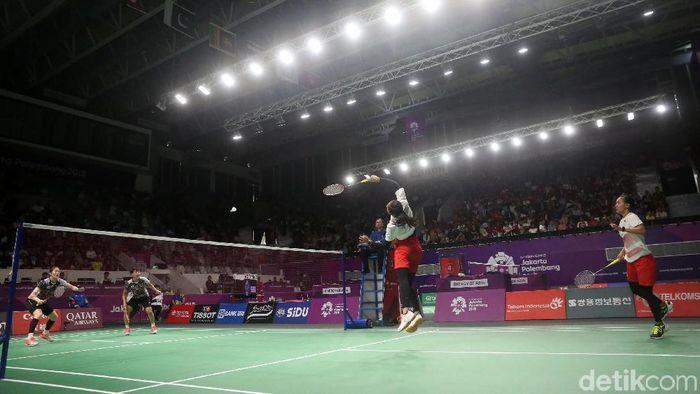 Della/Rizki pastikan kelolosan tim putri bulutangkis Indonesia ke semifinal Asian Games 2018. (Foto: Grandyos Zafna)