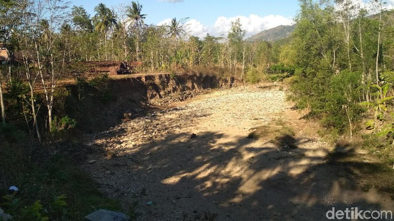 Kekeringan di Trenggalek Makin Meluas, 12 Desa Butuh Pasokan Air