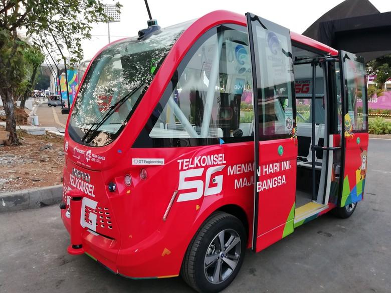 Bus tanpa sopir yang beroperasi di GBK Senayan (Foto: Rizki Pratama)